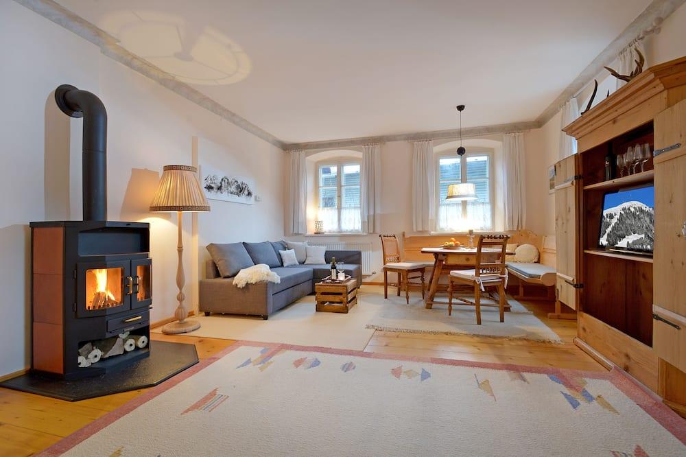 Romantic Apartment, 1 Bedroom, Mountain View - Living Area