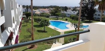 Picture of Jeannies Oura Estrela Apartamentos in Albufeira