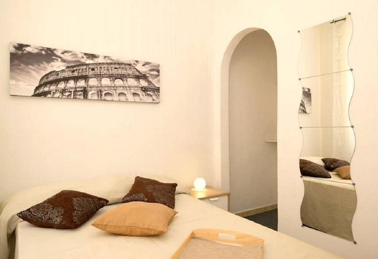 Nastas B&B, Rome, Double Room, 1 Queen Bed, Shared Bathroom, Guest Room