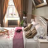 Luxury Double Room (Number 3) - In-Room Dining