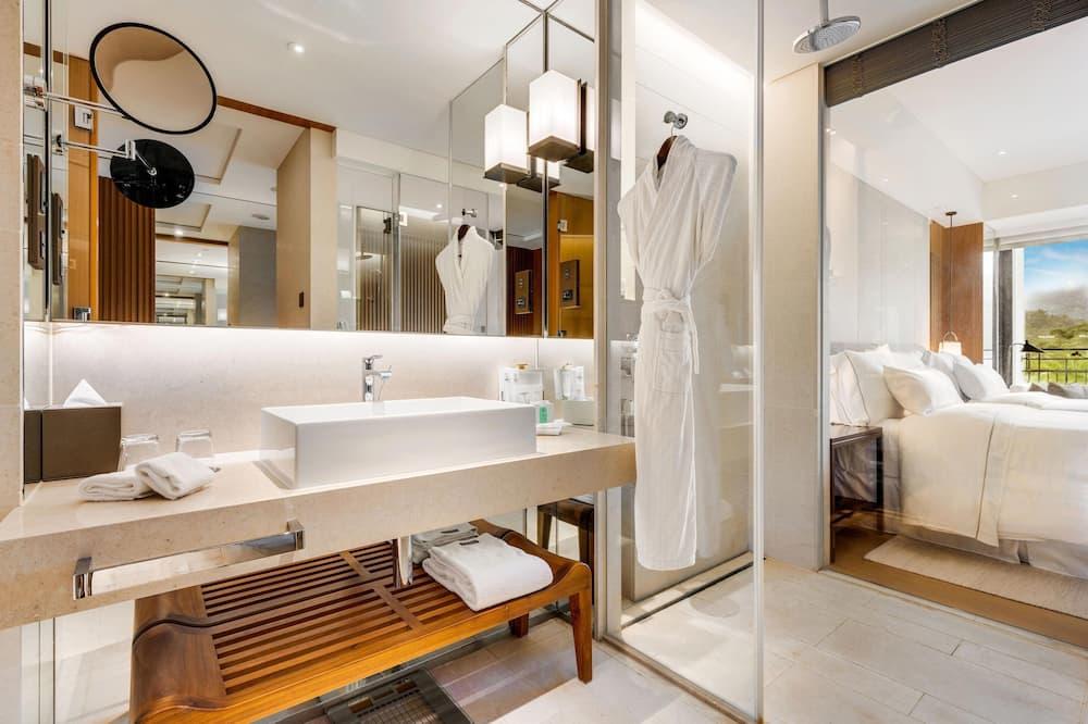 Deluxe Room, 2 Twin Beds, Non Smoking, Mountain View - Bathroom