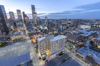 15 Closest Hotels to Minute Maid Park in Houston   Hotels.com on