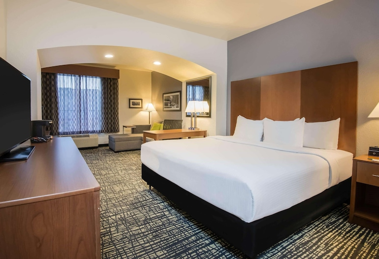 La Quinta Inn & Suites by Wyndham Morgantown, Morgantown, Suite Deluxe, 1 cama de matrimonio grande, no fumadores, con vistas (Various Views), Habitación