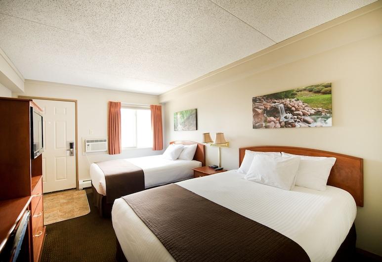 Riviera Motor Inn, Saskatoon, Deluxe Double Room, 2 Queen Beds, Guest Room