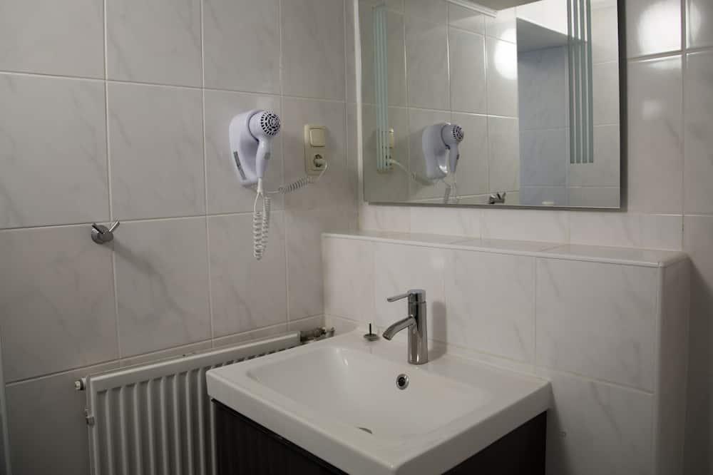 Phòng đôi hoặc 2 giường đơn - Chậu rửa trong phòng tắm