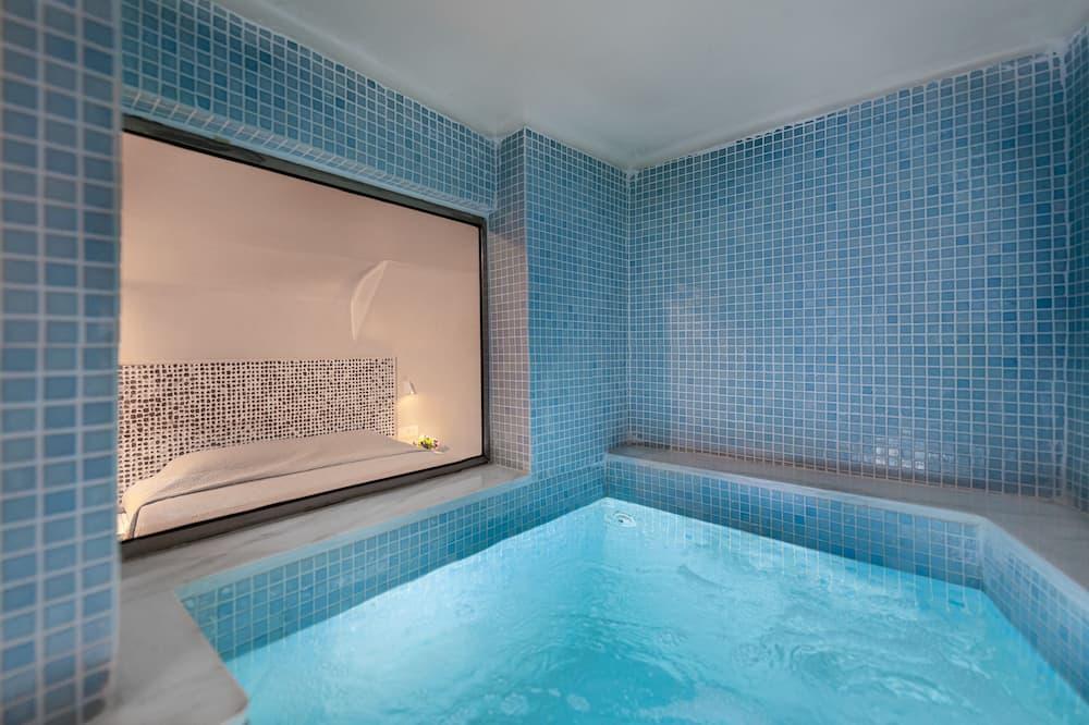 Suite exclusiva, bañera de hidromasaje, vista al mar - Tina de hidromasaje privada