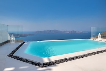 Picture of Daydream Luxury Suites in Santorini