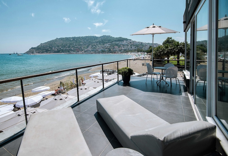En Vie Beach Boutique Hotel-Adult Only, Alanya, Deluxe Suite, Sea View, Terrace/Patio