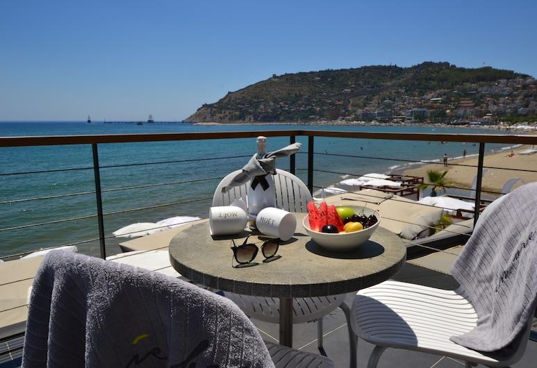 En Vie Beach Boutique Hotel-Adult Only, Alanya, Deluxe suite, Uitzicht op zee, Balkon