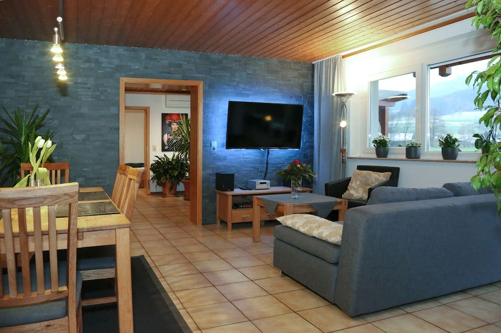 Apartment, 2 Bedrooms, Patio - Living Room