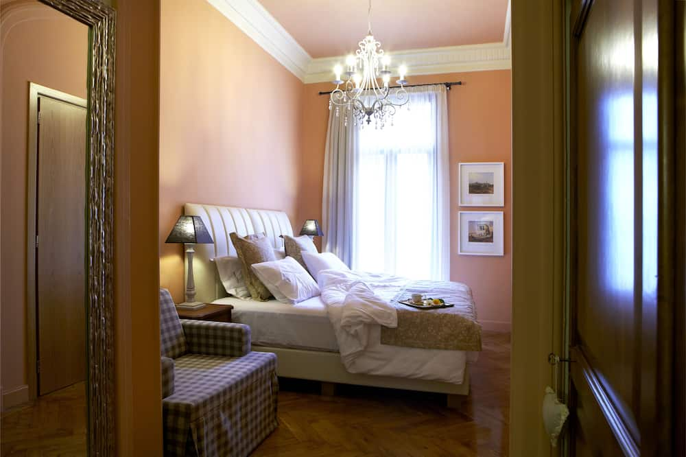 Classic Double Room, Balcony - Bathroom