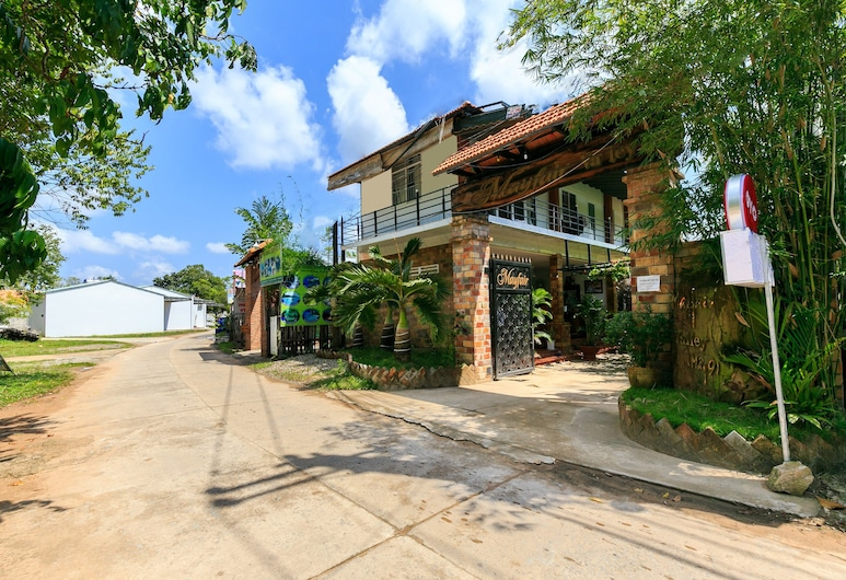 MayFair Valley, Phu Quoc, Hotellets front