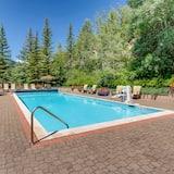 Premium Condo, 2 Bedrooms (+ Loft) - Pool