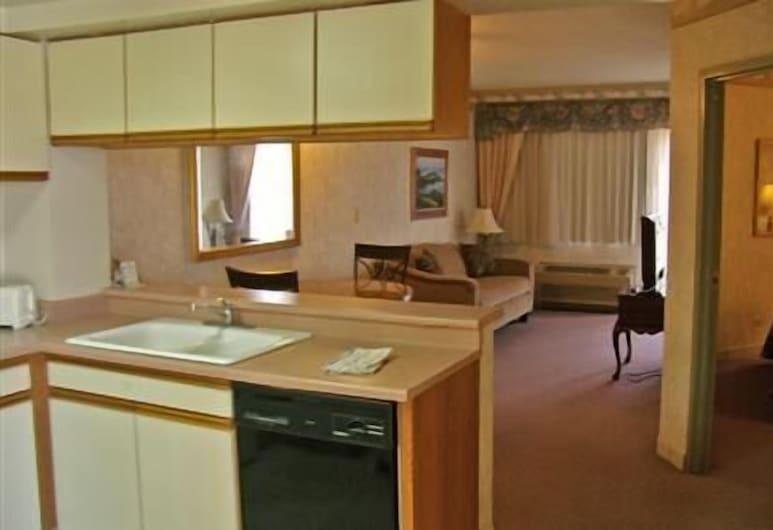 Guam Airport Hotel, Tamuning, One Bedroom, Living Area