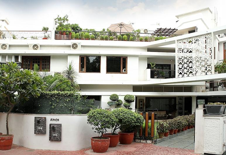 Ahuja Residency Golf Links, New Delhi