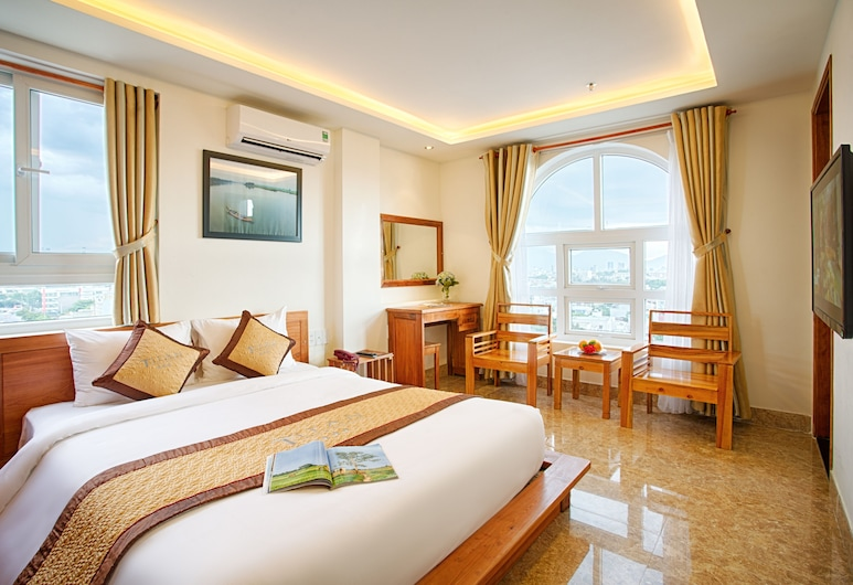 泰坦飯店, 峴港