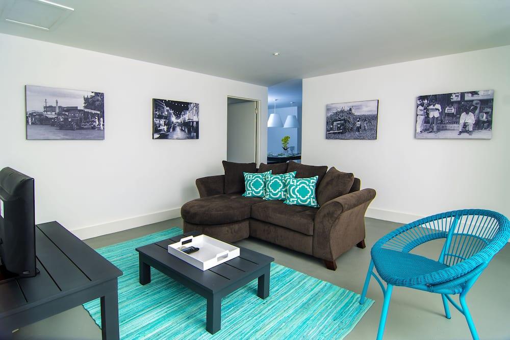 Two bedroom apartment #6 - Sala de estar
