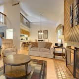 Deluxe Townhome, 3 Bedrooms, Fireplace (Heather Townhouse) - Living Room