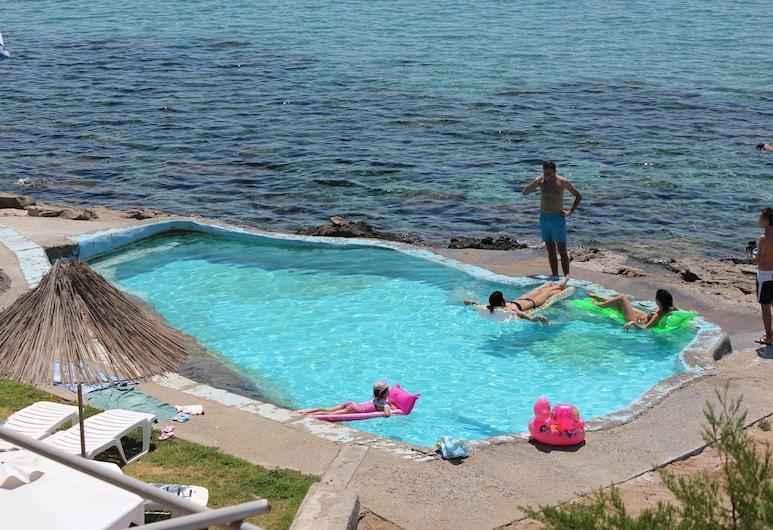 Ilyssion, Rhodes, Bazén