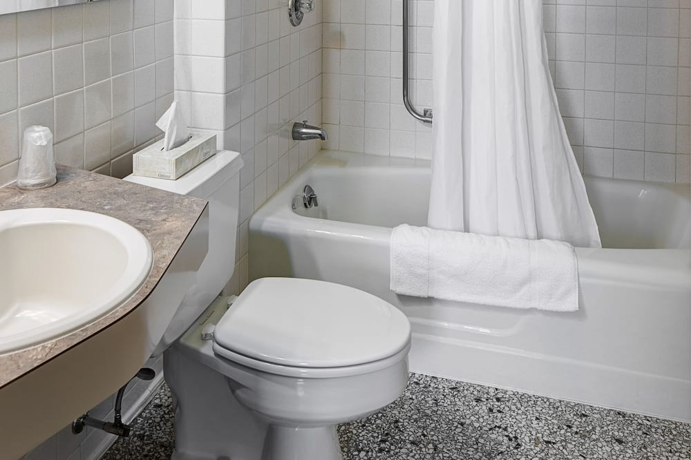 Room, 1 King Bed, Non Smoking, City View - Bathroom