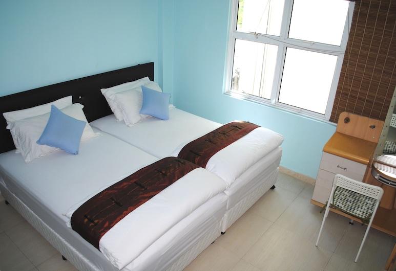 Rani beach Maldives, Hulhumalé, Deluxe Double Room, Tuba