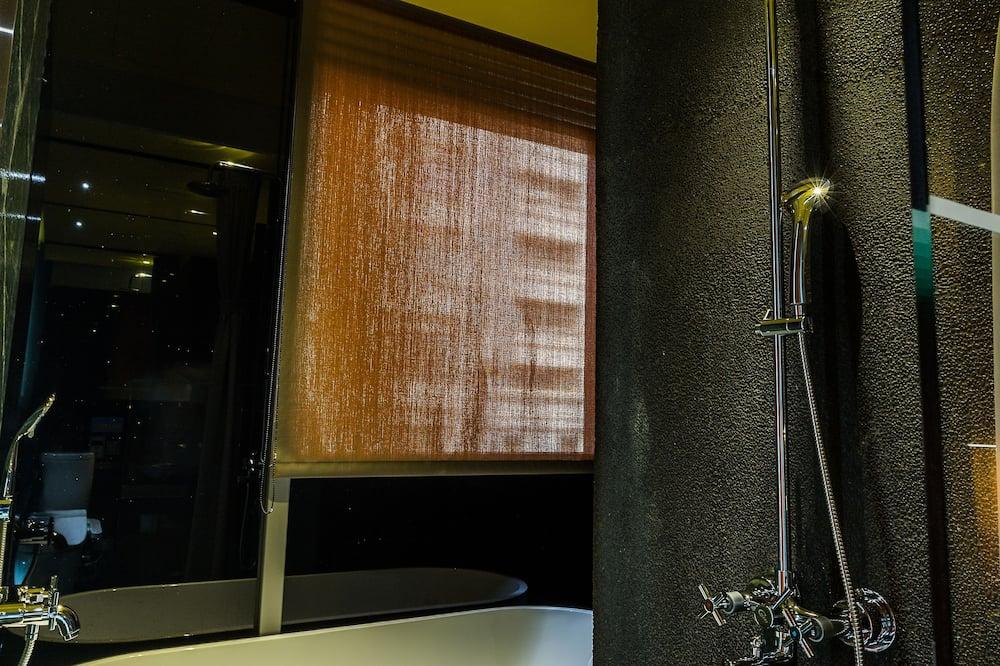 Kambarys verslo klientams, 1 didelė dvigulė lova - Vonios kambarys