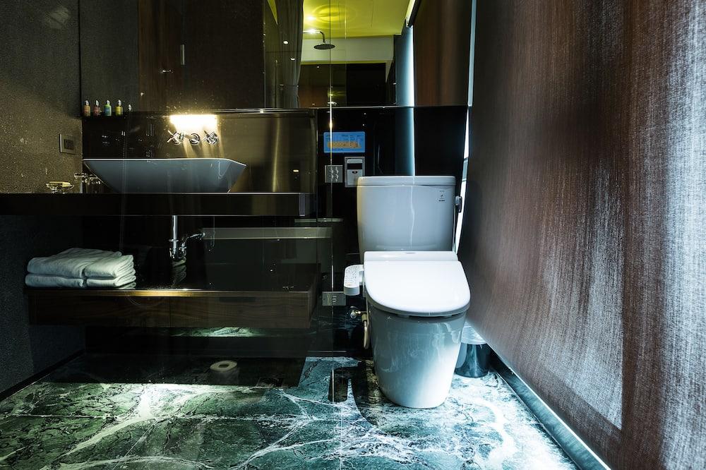 Kambarys verslo klientams, 1 didelė dvigulė lova - Vonios kambario patogumai