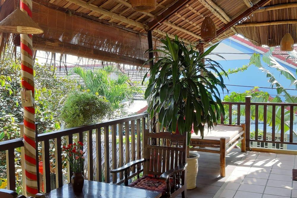 Garden View King with Balcony - Terrace/Patio