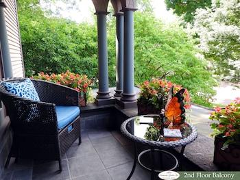 Picture of Champaign Garden Inn in Champaign