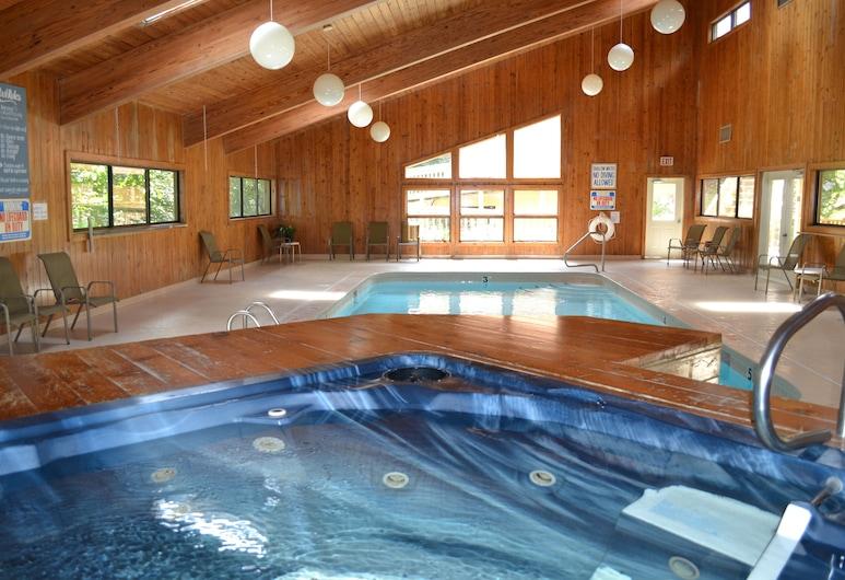 Cedar Village, Banner Elk, Indoor Spa Tub