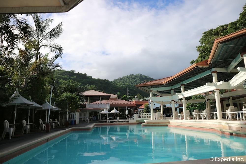 Splash Mountain Resort, Laguna | Filipina Explorer |Splash Mountain Laguna Hotel