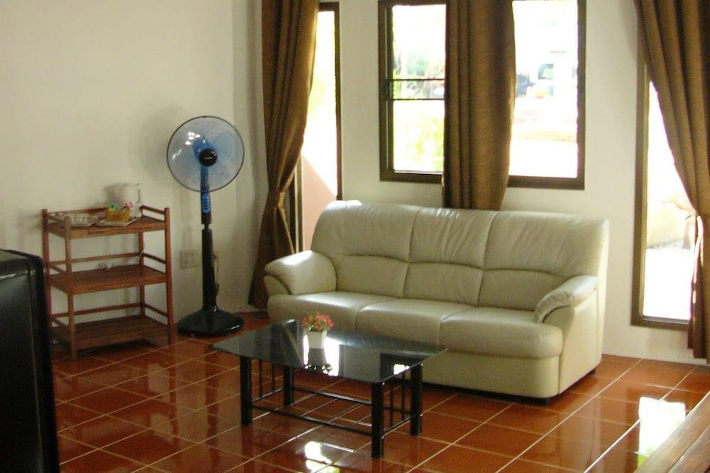 Luxury Suite, 1 Bedroom, Garden View - Living Room