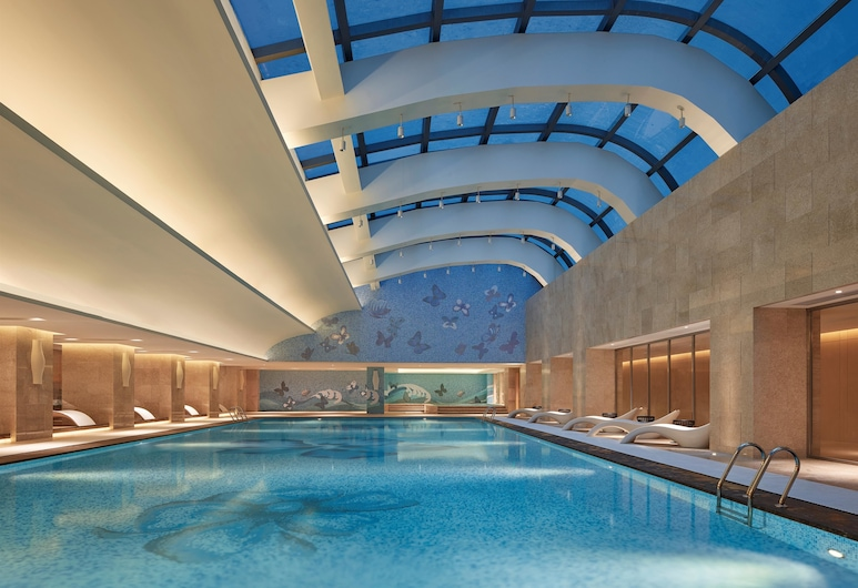 Hilton Haikou, Haikou, Kolam Renang Luar/Dalam Ruangan