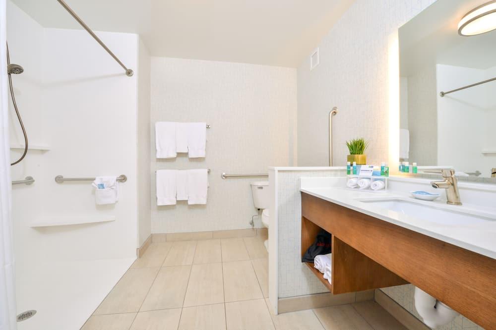 Oda, 1 En Büyük (King) Boy Yatak, Engellilere Uygun, Sigara İçilmez (Roll-In Shower) - Banyo