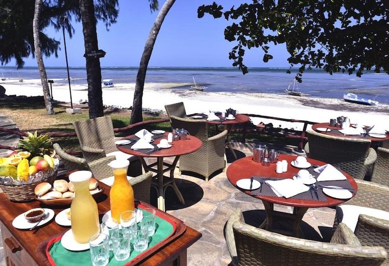سيفيرين سي لودج, مومباسا, منطقة تناول وجبات الإفطار