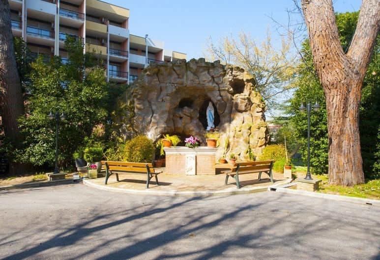 Casa La Salle - Religious Guest House, Roma, Parco della struttura
