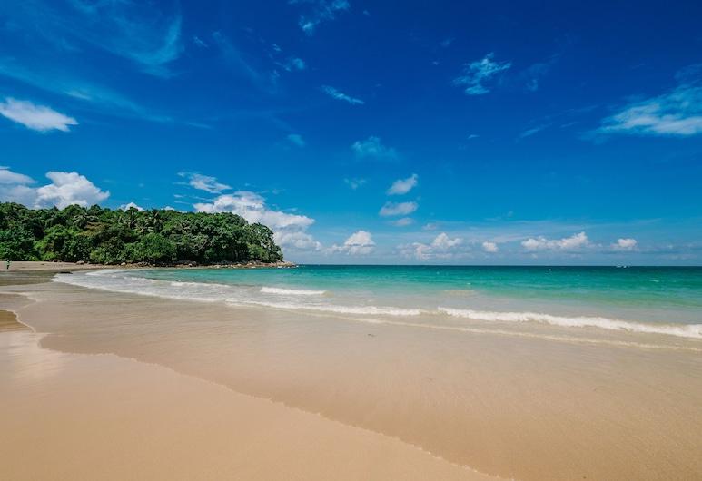 Banyu Biru Villa, Bintan, Beach