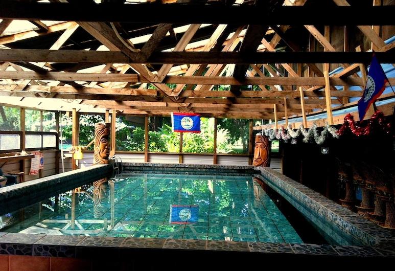 River House Lodge, Hopkins, Pool