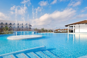 Gambar Meliá Dunas Beach Resort & Spa - All Inclusive di Sal
