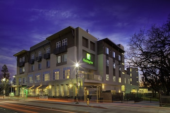 Picture of Holiday Inn Windsor Wine Country in Windsor
