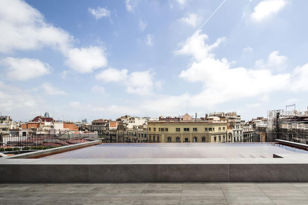 Piscina no terraço