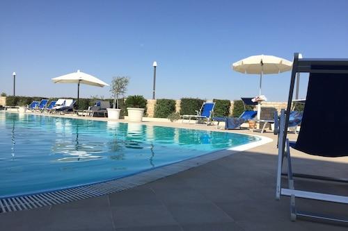 伊丽莎白公园酒店/