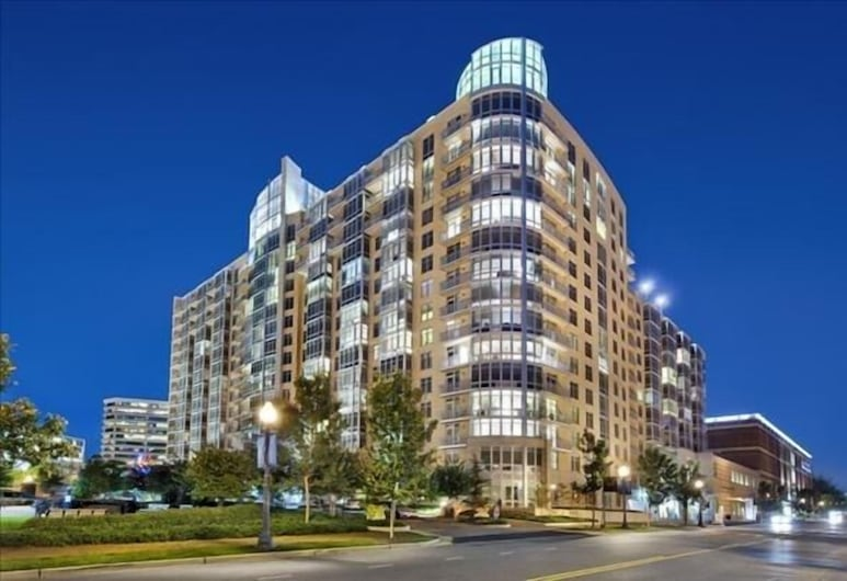 Weichert Suites at Wisconsin Place, Chevy Chase