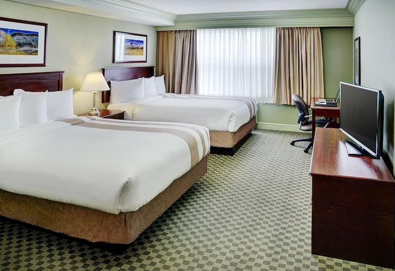 Chateau Nova Kingsway, Эдмонтон, Стандартный номер, 2 двуспальные кровати «Квин-сайз», Номер