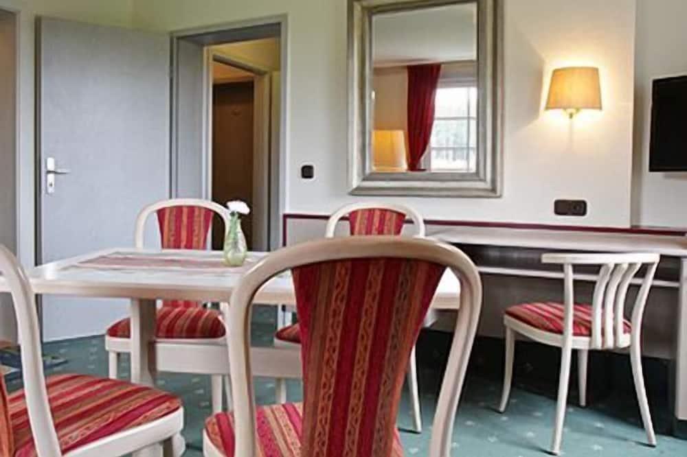 Junior Apartment - In-Room Dining