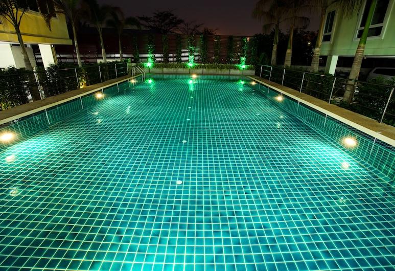 Patt Serviced Apartments, Chonburi, Outdoor Pool
