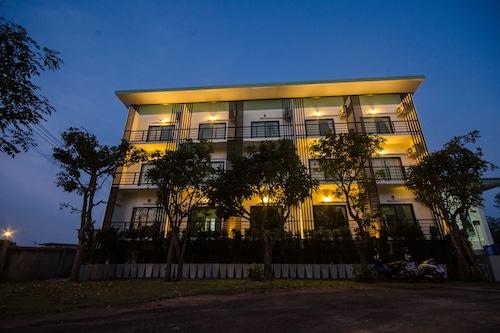 桑尼精品飯店/