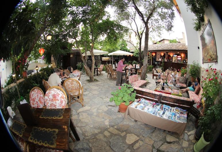 Boomerang Guesthouse, Selçuk, Açık Havada Yemek