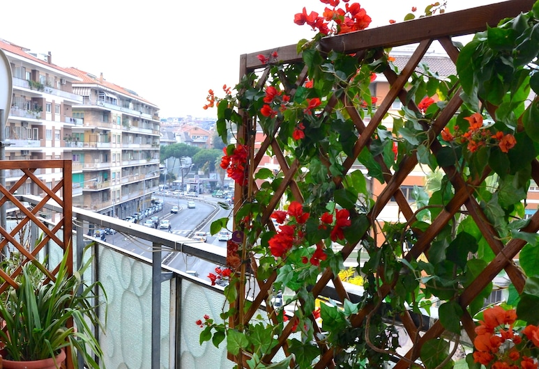 Rome Vatican Eden B&B, Rome, Deluxe Room, City View, Balcony