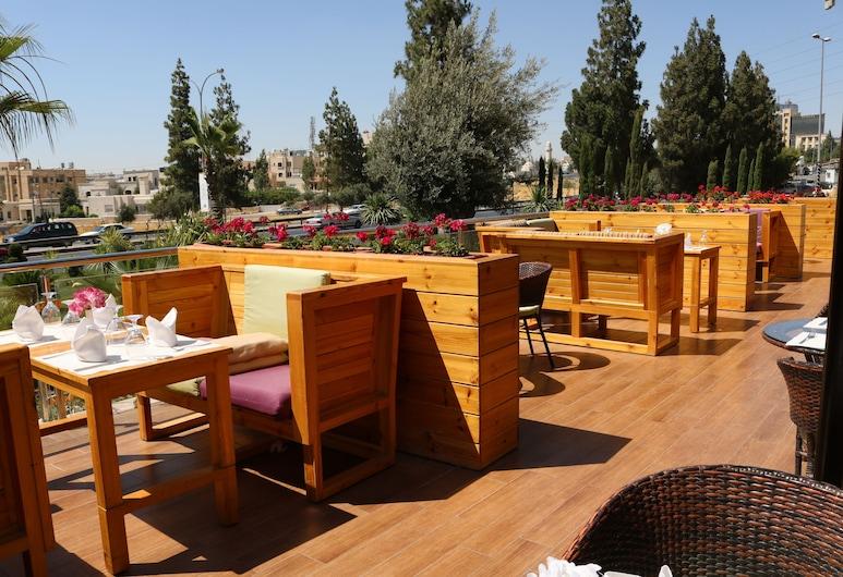 Swiss International Olive Tree Amman, Amman, Terrasse/Patio